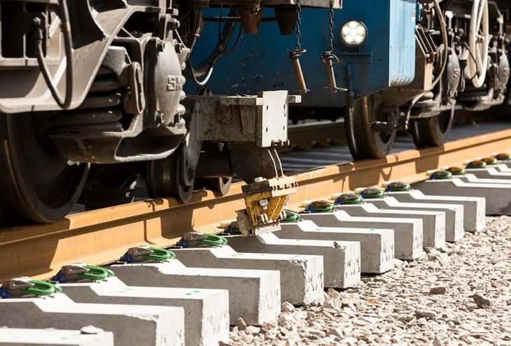Rail-730x495